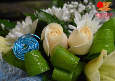 gerbe fleurie communion garcon decoration florale 02