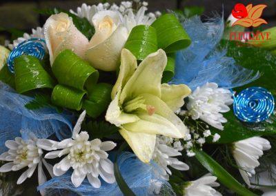 gerbe fleurie communion garcon decoration florale 03